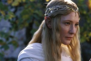 """La actriz es más reconocida por su papel de la elfa """"Galadriel"""" en la saga """"El Señor de los Anillos"""" Foto:IMDB. Imagen Por:"""