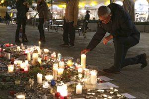 París unido después de los atentados de la noche del 13 de noviembre de 2015. Foto:AP. Imagen Por: