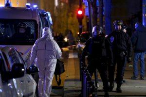 "2. Allí aseguró que ""Francia está en guerra"". Foto:AP. Imagen Por:"