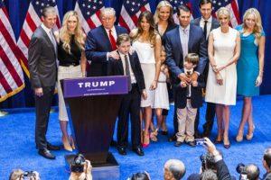 De la numerosa familia que tiene el controvertido candidato republicano Donald Trump, hay una que todavía no es empresaria. Foto:vía Instagram/tiffanytrump. Imagen Por: