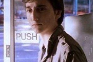 """Ahí era un joven """"nerd"""" que obtiene su venganza al enfrentarse con los chicos populares. Foto:vía Tumblr. Imagen Por:"""