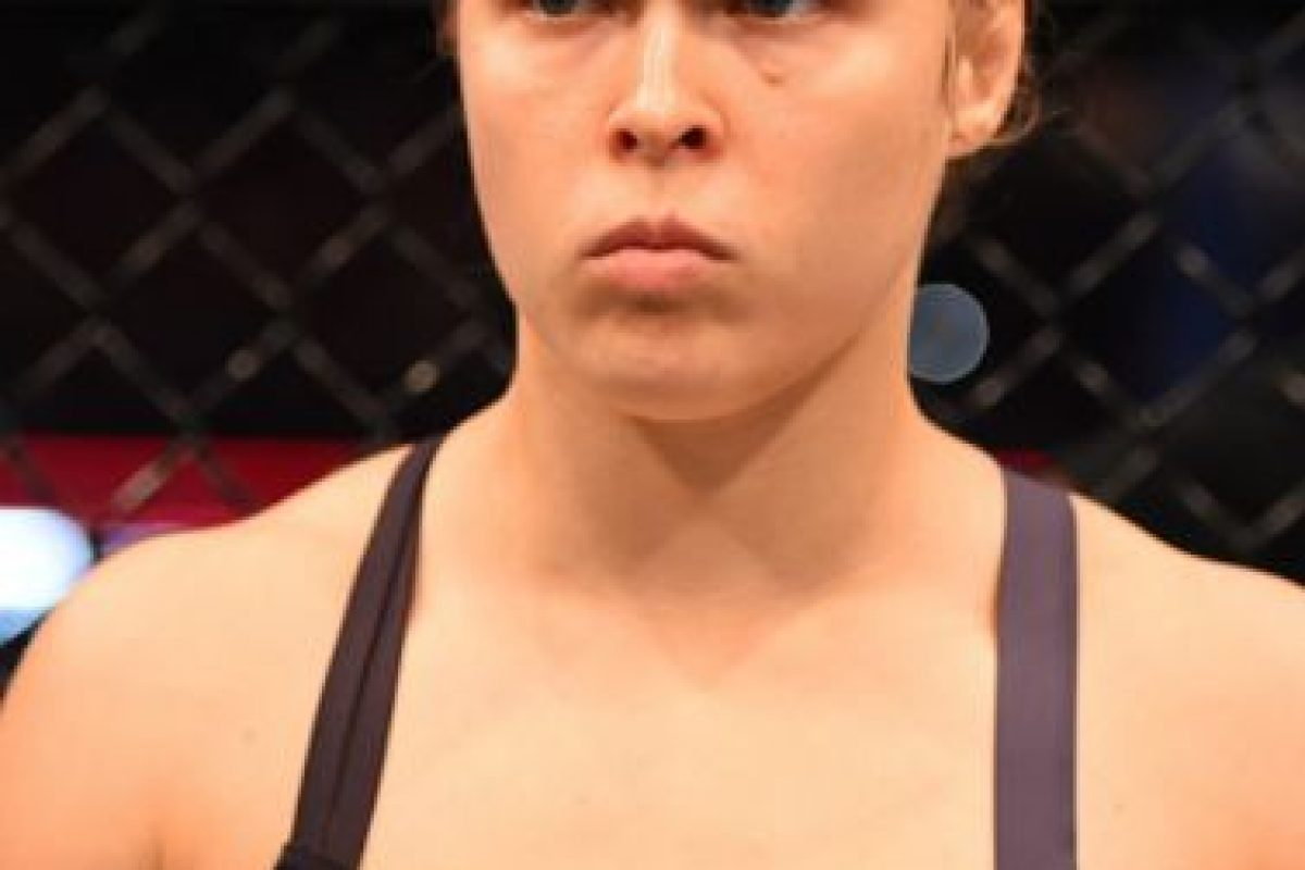 La hasta ayer, campeona invicta de la UFC, perdió su título al caer noqueada en el segundo round de una pelea en la que nunca se encontró. Foto:Getty Images. Imagen Por: