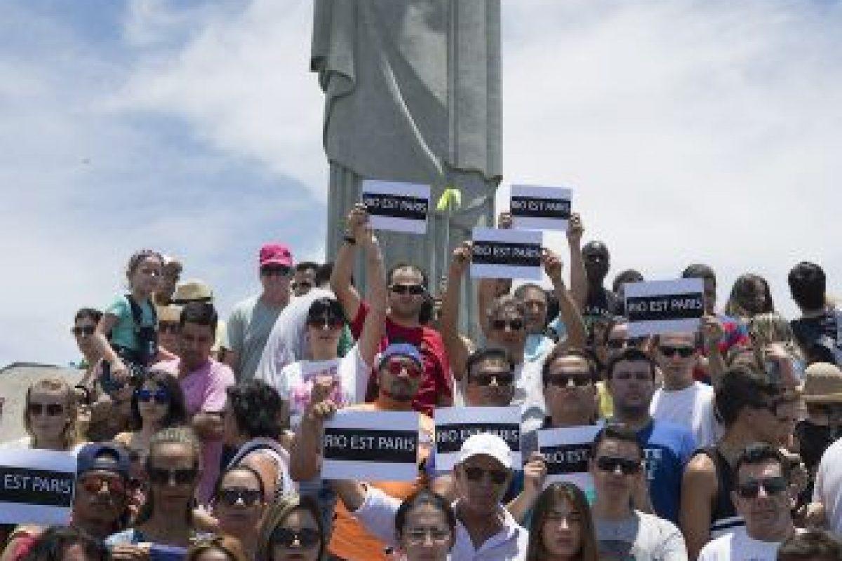 En respuesta a los atentados terroristas del viernes. Foto:AP. Imagen Por: