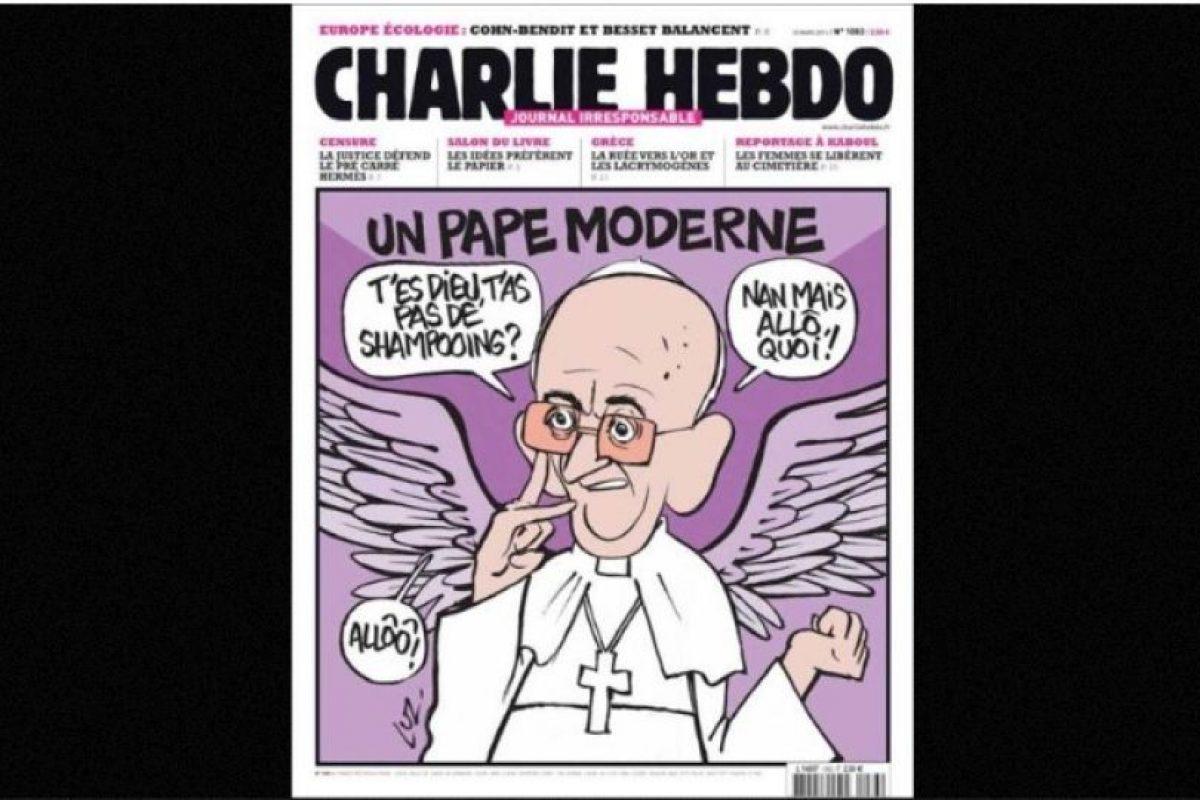 Al igual que autoridades religiosas, como el Papa Francisco Foto:Facebook: Charlie Hebdo Officiel. Imagen Por: