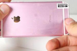 5) La protección de plástico es muy simple y de mala calidad. Foto:EverythingApplePro / YouTube. Imagen Por: