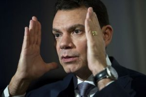 El doctor Eduardo Rodríguez espera que el cuerpo consiga aceptar de buena manera el transplante. Foto:AP. Imagen Por: