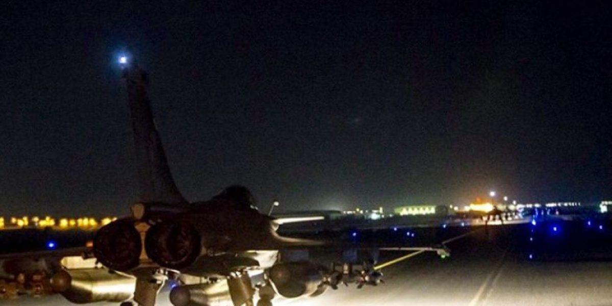 Video: Aviones del ejército francés parten a Siria para bombardear a ISIS