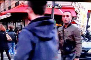Al final de la grabación parece que sonríe a la cámara. Foto:Vía Youtube. Imagen Por: