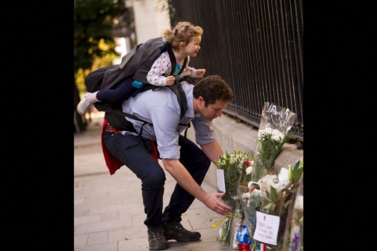 Sin embargo, parisinos como Leiris, están decididos a seguir con su vida de forma normal, sin ceder poder al grupo terrorista. Foto:Getty Images. Imagen Por:
