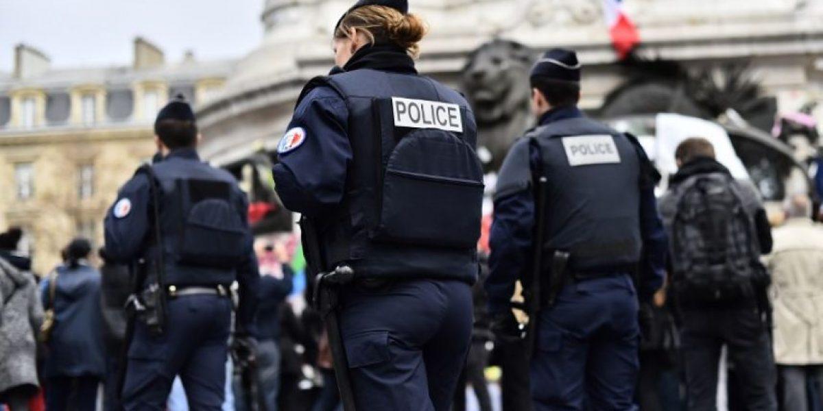 Profesor de escuela judía herido a puñaladas por tres hombres en Marsella