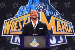 Después del evento WWF In Your House de 1997, cambió su nombre por The Rock (La Roca), y su popularidad comenzó a subir. Foto:Getty Images. Imagen Por: