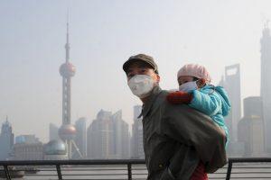 """Según el periódico español """"El País"""", el sistema central de calefacción de China funciona con carbón. Foto:Getty Images. Imagen Por:"""