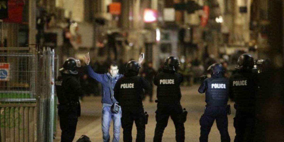 Dos muertos y siete detenidos en operativo para capturar a presunto cerebro de atentados de París