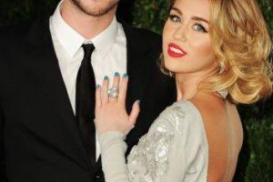 """""""La luz brillará no importa hacia dónde mueva su mano Miley"""", declaró el diseñador Neil Lane, quien creó el anillo de compromiso como un pedido especial del actor australiano. Foto:Getty Images. Imagen Por:"""