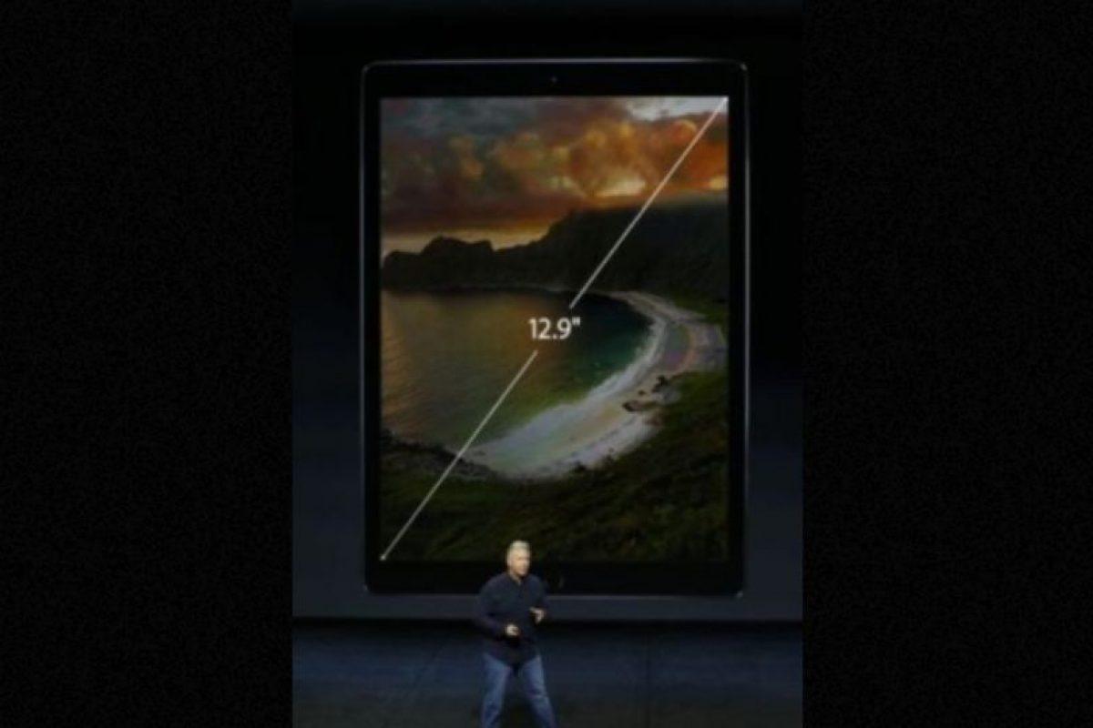 Tiene una pantalla de 12.9 pulgadas; la tableta más grande jamás creada por Apple. Foto:Apple. Imagen Por: