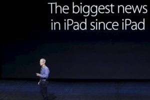 305.7 * 220.6 * 0.27 mm son sus dimensiones. Foto:Apple. Imagen Por: