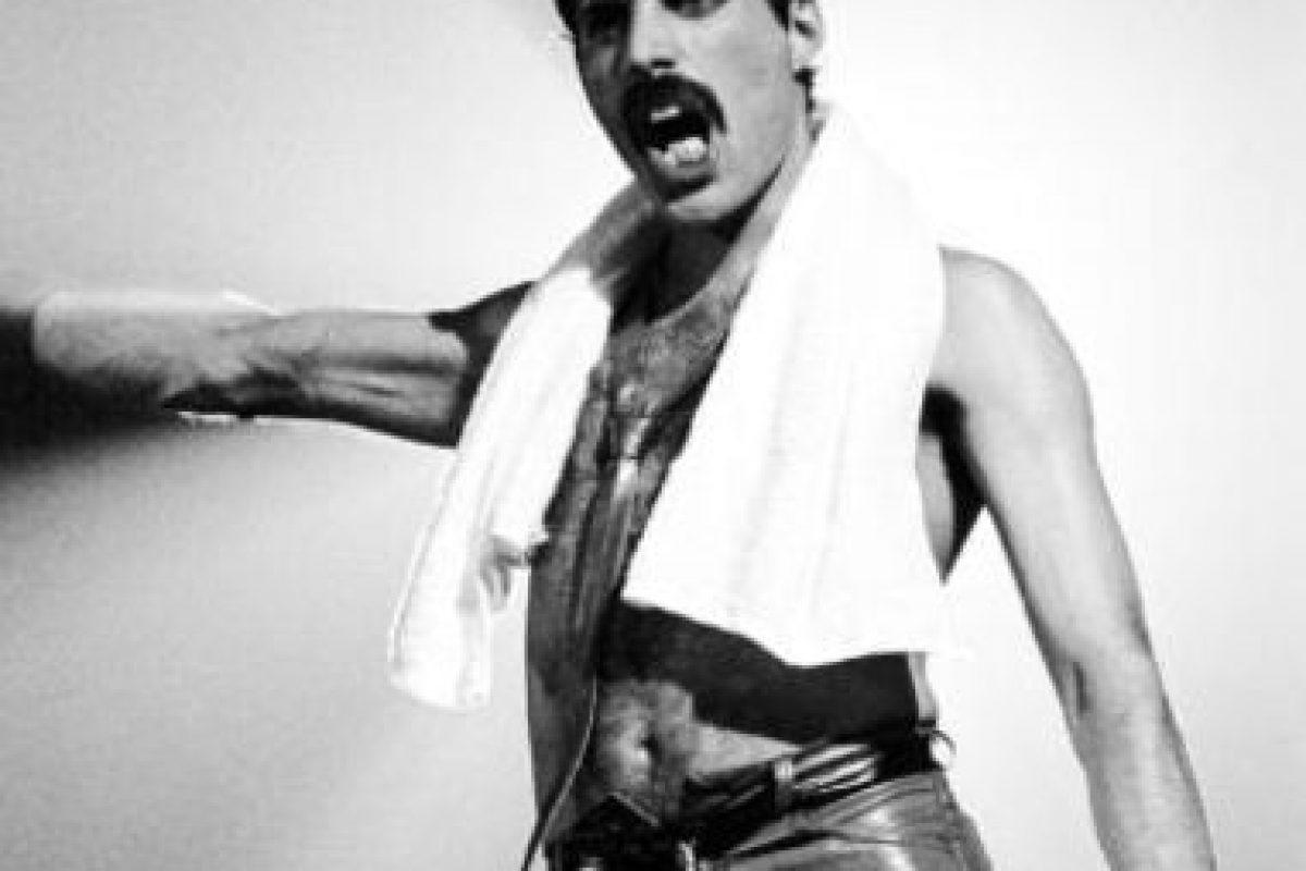 Mercury era bisexual, pero terminó decantándose por los hombres. También ocultó su condición. Foto:vía Getty Images. Imagen Por: