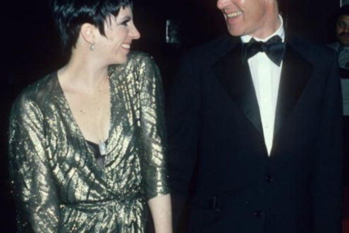 Halston era como el Karl Lagerfeld o el Olivier Rousteing (Balmain) de los años 70 y 80. Foto:vía Getty Images. Imagen Por: