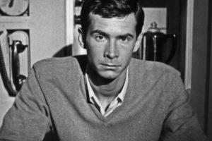 """Anthony Perkins se hizo famoso por interpretar al protagonista de """"Psicosis"""" en los años 60. Foto:vía Getty Images. Imagen Por:"""