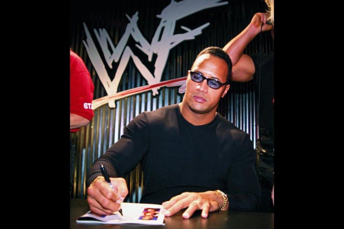 En 1996, la WWE puso sus ojos en él y lo envió a la USWA para que comenzara su formación como luchador. Foto:WWE. Imagen Por: