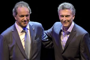 El pasado fin de semana ambos candidatos sostuvieron un histórico debate presidencial Foto:AFP. Imagen Por: