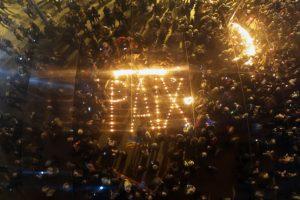 Cuando las autoridades lleguen, mantenga las manos siempre a la vista Foto:AFP. Imagen Por: