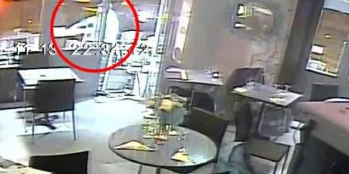Impactante: francesa se salva de la muerte luego que se trabara arma de terrorista