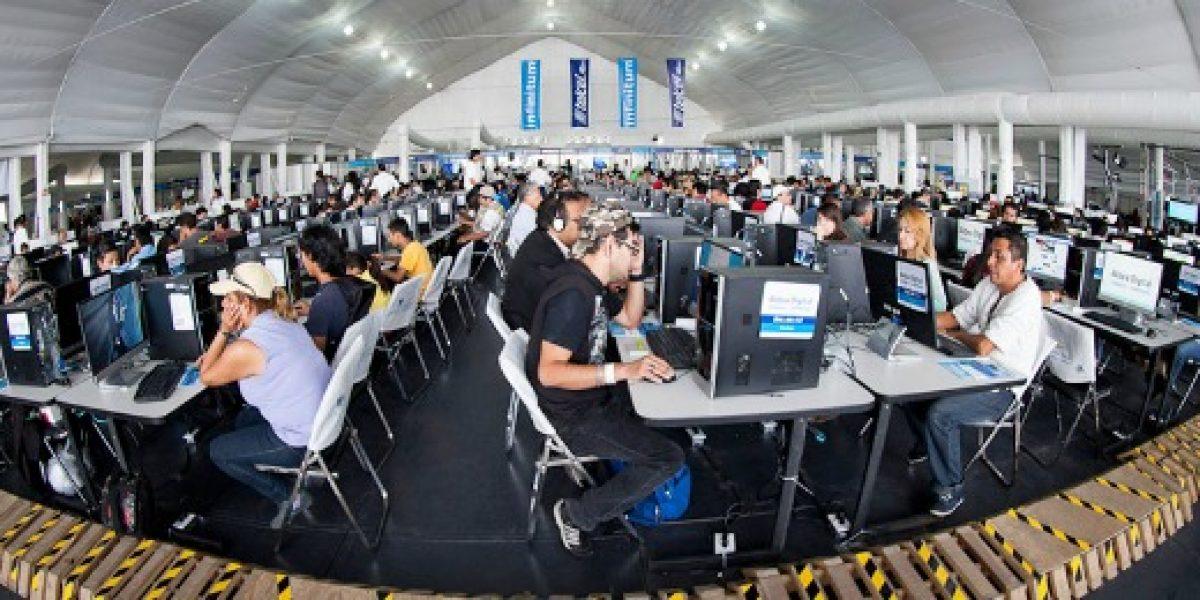 Entregarán becas para mujeres que quieran estudiar programación computacional