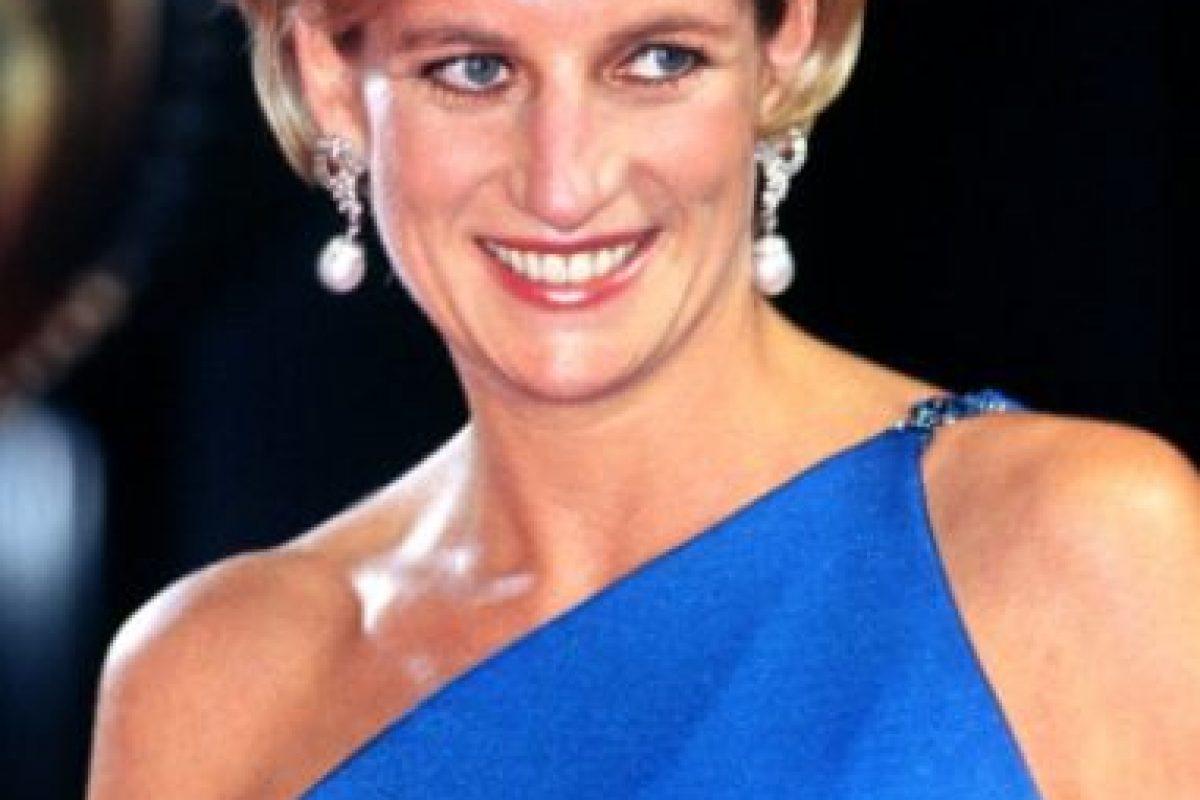 """Cuando murió Diana fue para peor: Camilla seguía siendo la """"bruja"""" de la película. Foto:vía Getty Images. Imagen Por:"""