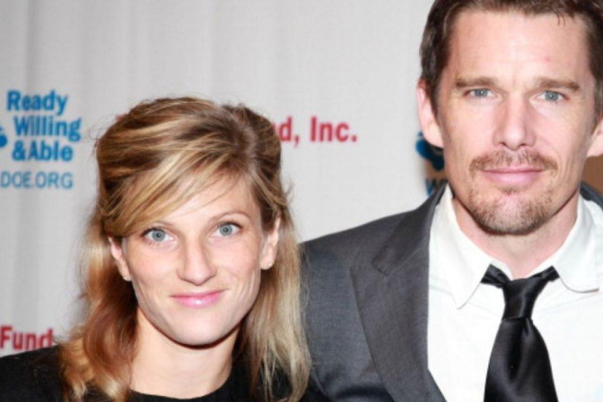 Y su exmarido Ethan Hawke la cambió por la niñera, Ryan Shawhughes. Foto:vía Getty Images. Imagen Por:
