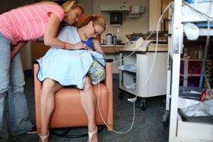 Al niño le hicieron una traqueotomía luego de nacer. Foto:vía AP. Imagen Por: