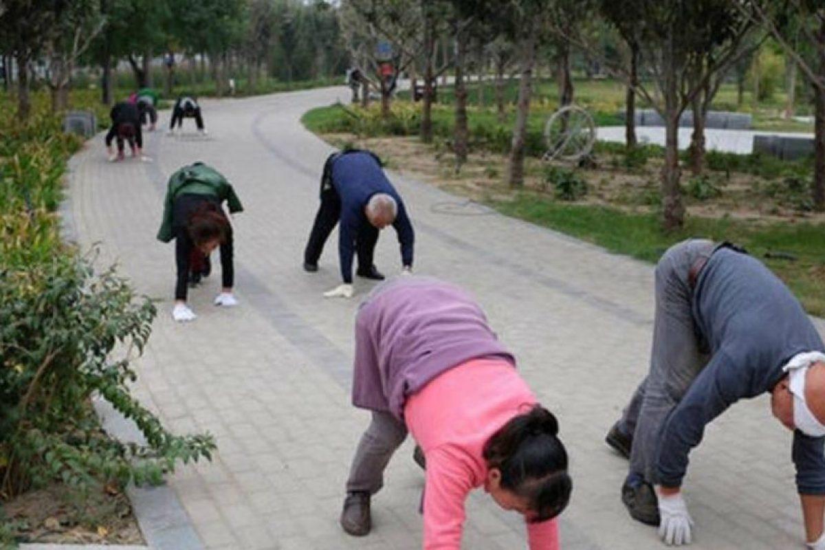 Ayuda al estiramiento del cuerpo. Foto:Vía Twitter. Imagen Por: