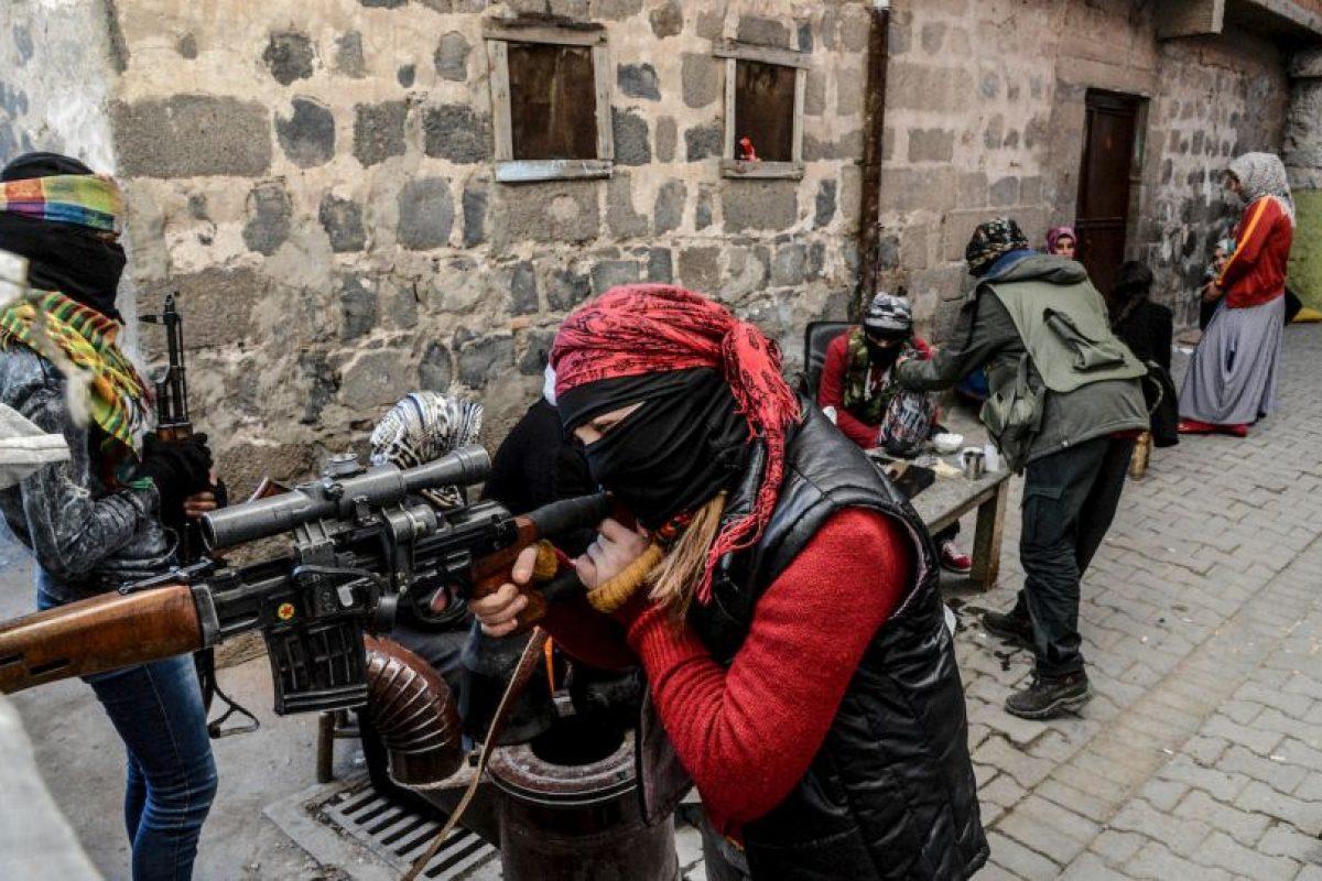 Mujeres kurdas armadas en Turquía. Foto:AFP. Imagen Por: