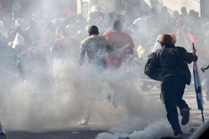 Varios partidos opositores se unieron en protesta contra el CEP por los resultados de la primera vuelta realizada el pasado 25 de octubre. Foto:AFP. Imagen Por: