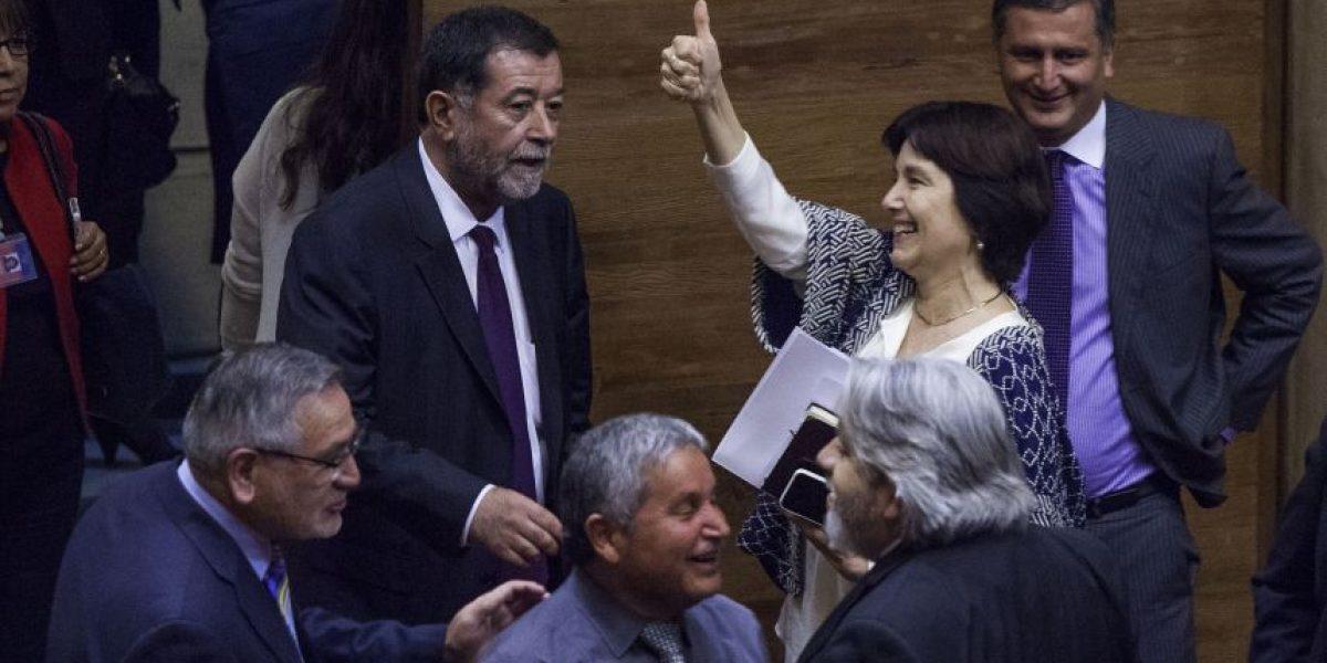 Ministra de Salud nombró abogado para su defensa por acusación constitucional
