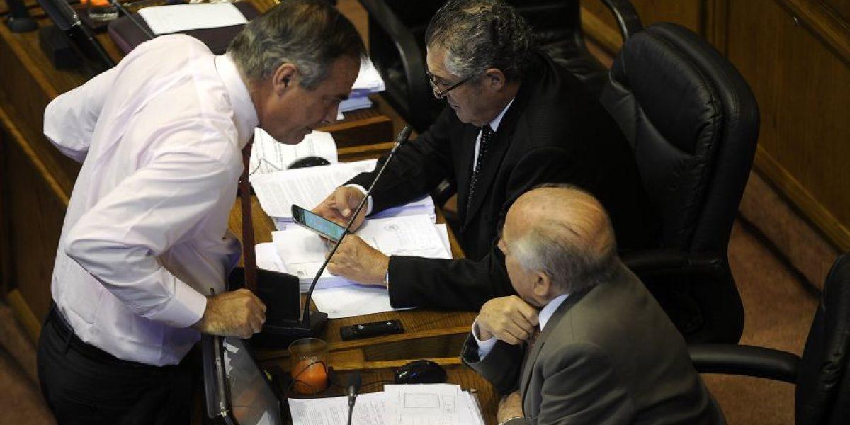 Senado: con polémica abstención de Walker aprueban glosa de gratuidad