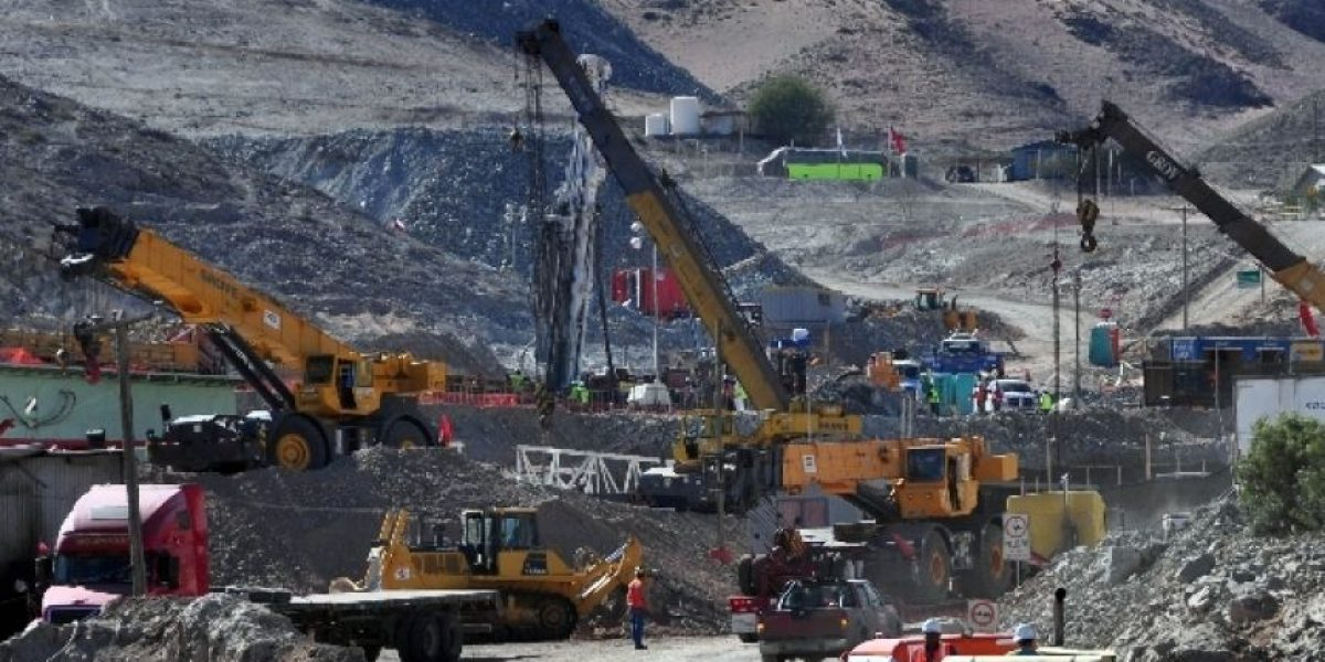 Sobreseen a dueños de la mina San José tras querella de familiares de