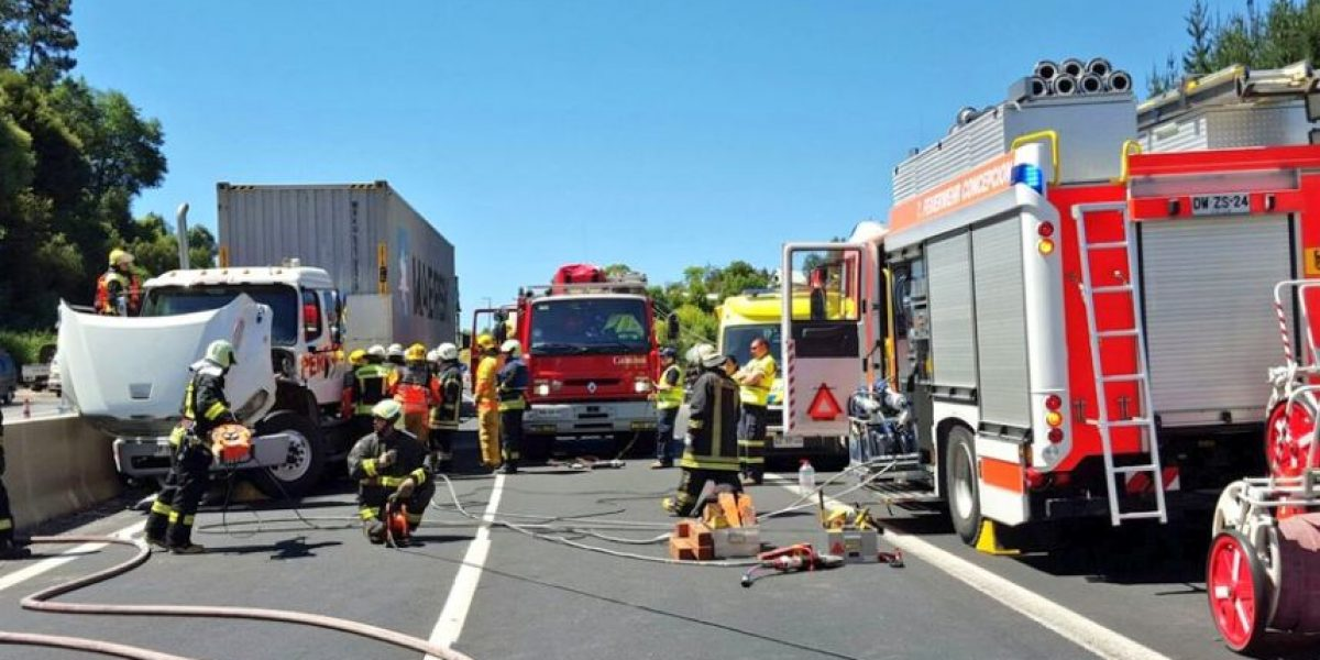 Concepción: violento accidente deja dos muertos