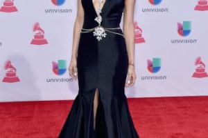La modelo mexicana presumió sus curvas con este vestido negro. Foto:Getty Images. Imagen Por: