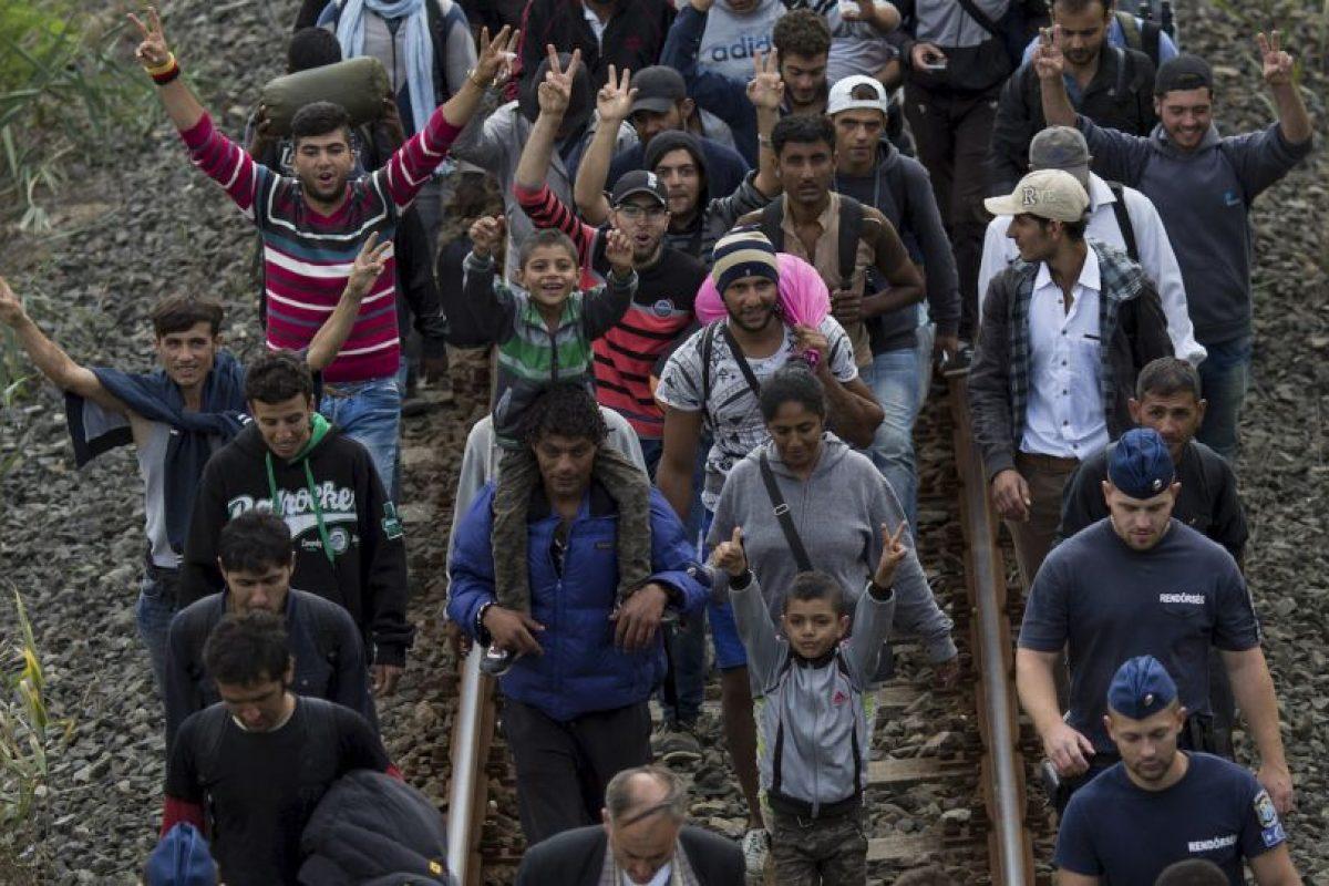 """8. """"No son las afluencias de refugiados las que causan el terrorismo, sino que son el terrorismo, la tiranía y la guerra las que crean refugiados"""", agregó el Alto Comisionado. Foto:Getty Images. Imagen Por:"""