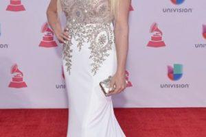 Un gran NO para este vestido de Abigail Pereira. Apliques totalmente burdos, más un tono que no le favorece, ni de maquillaje ni de vestido. Foto:vía Getty Images. Imagen Por: