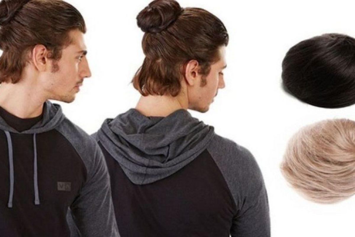 Lumbersexuales y hipsters están familiarizados con este peinado que logra mantener gran parte o el cabello completo en una bolita sobre la cabeza. Foto:Vía Bonamart/Groupon. Imagen Por: