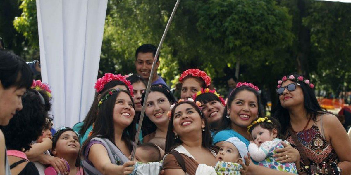 Más de 300 mamás apoyaron a la Teletón con curiosa coreografía
