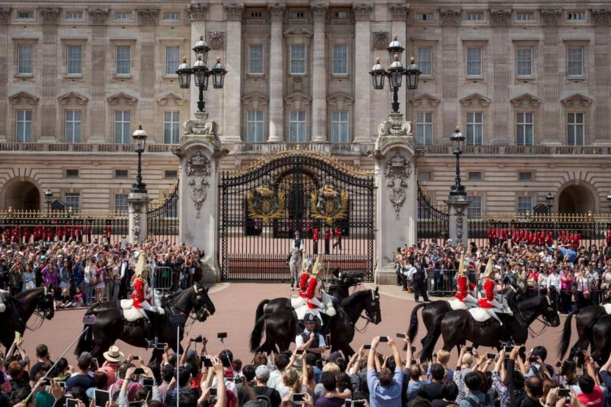 10. Para obtener el pasaporte de Reino Unido se tiene que pagar 110 dólares. Foto:Getty Images. Imagen Por: