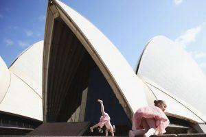 2. Austalia se coloca en las primeras posiciones debido a que el documento tiene un valor de 206 dólares Foto:Getty Images. Imagen Por: