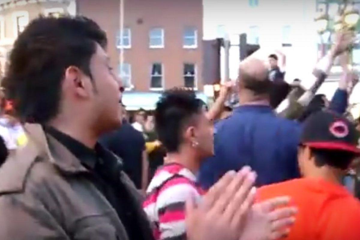 """1. Video viral muestra la """"celebración"""" de musulmanes respecto a su """"victoria"""" del atentado en París Foto:Vía Youtube. Imagen Por:"""