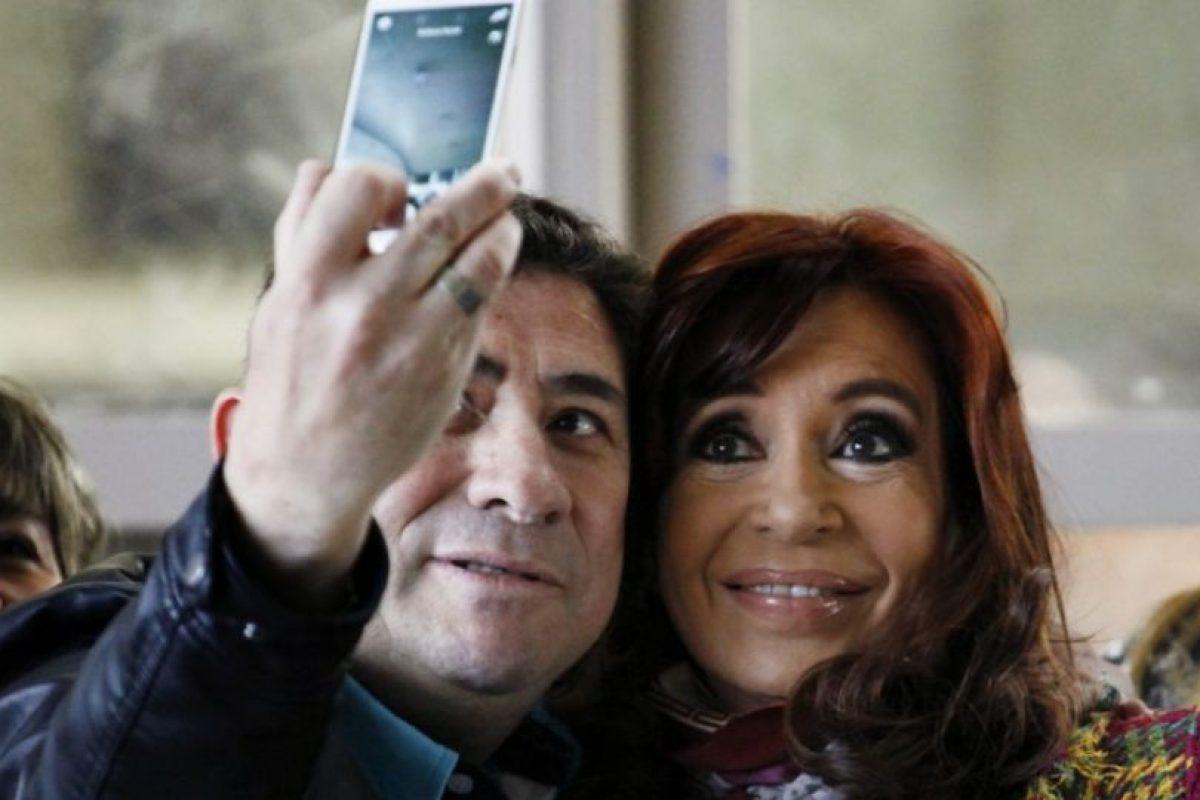 Incluso, tuvo un momento para tomarse un selfie Foto:AFP. Imagen Por: