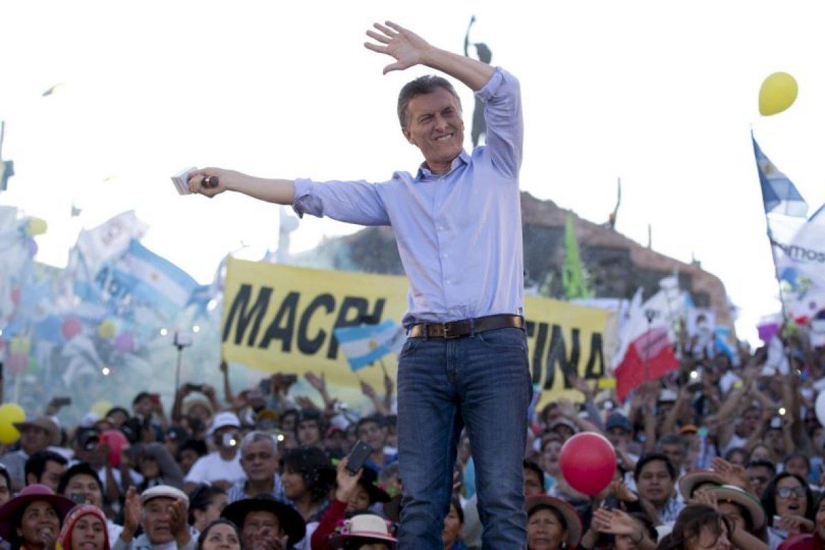 Y Mauricio Macri de la alianza conservadora Cambiemos Foto:AP. Imagen Por:
