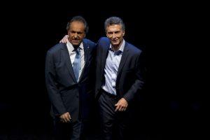 Ambos candidatos realizaron el pasado 15 de noviembre un debate público Foto:AP. Imagen Por: