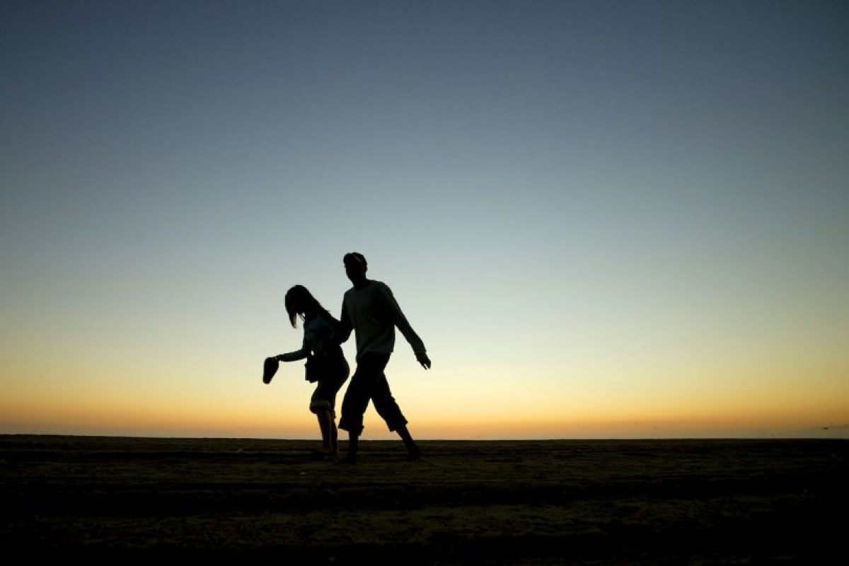 Los adultos deben tratar de hacer al menos 150 minutos de actividad a la semana con intensidad moderada. Foto:Getty Images. Imagen Por: